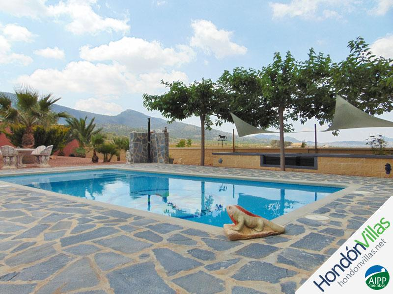 ID# 411ZA ©2021 Property and Villas for Sale in Hondon