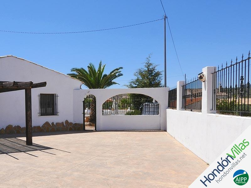 ID# 519X ©2021 Property and Villas for Sale in Hondon