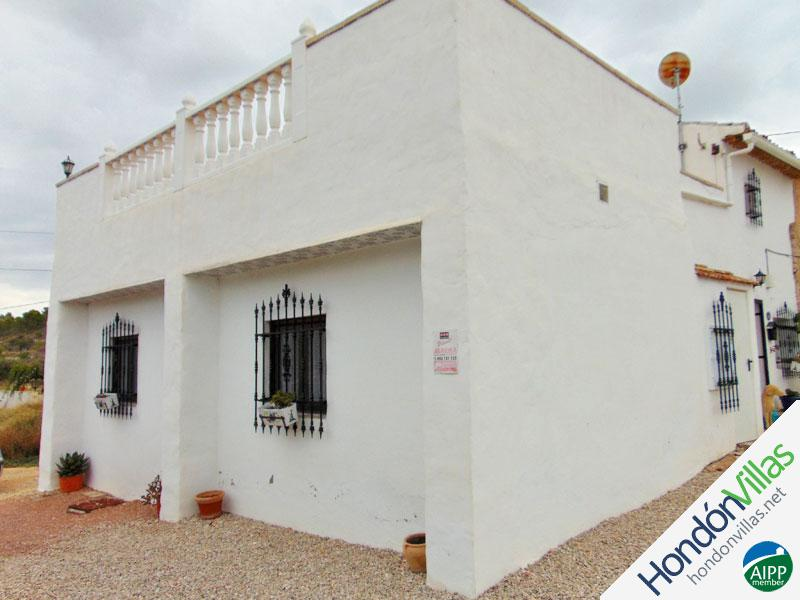 ID# 643Q ©2021 Property and Villas for Sale in Hondon