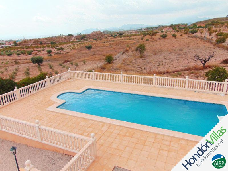 ID# 723P ©2021 Property and Villas for Sale in Hondon