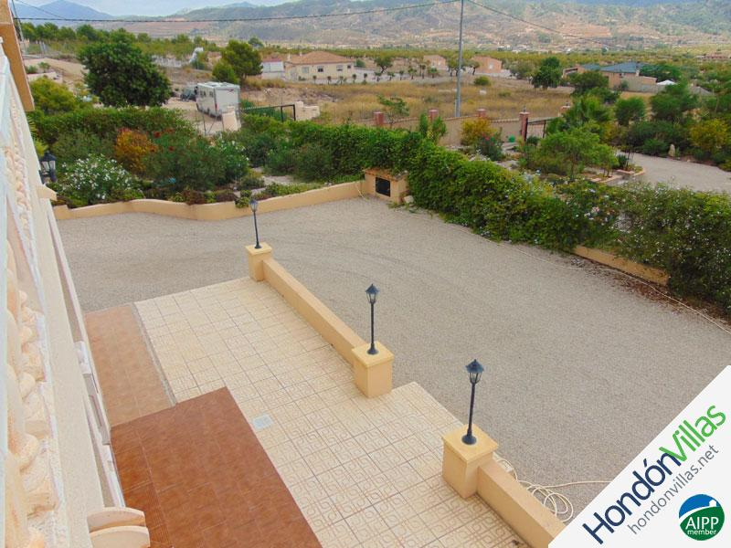 ID# 723Q ©2021 Property and Villas for Sale in Hondon
