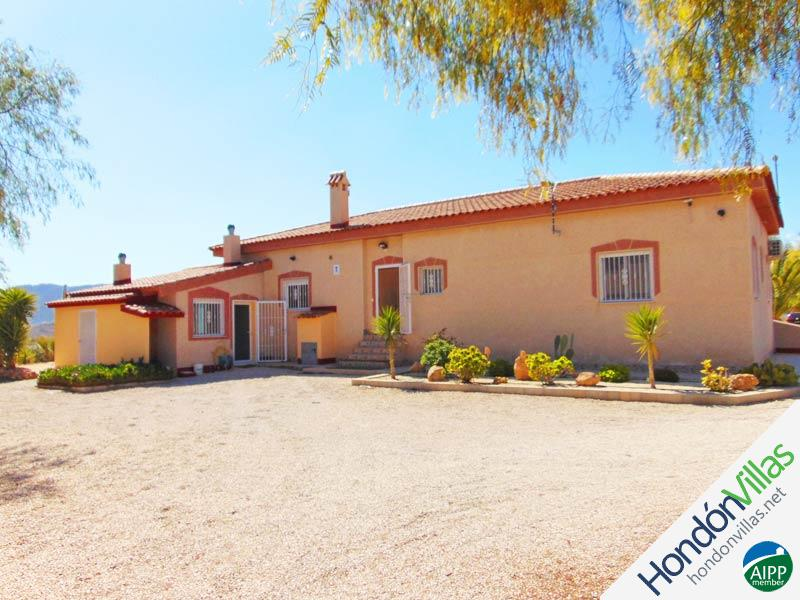 ID# 733L ©2021 Property and Villas for Sale in Hondon