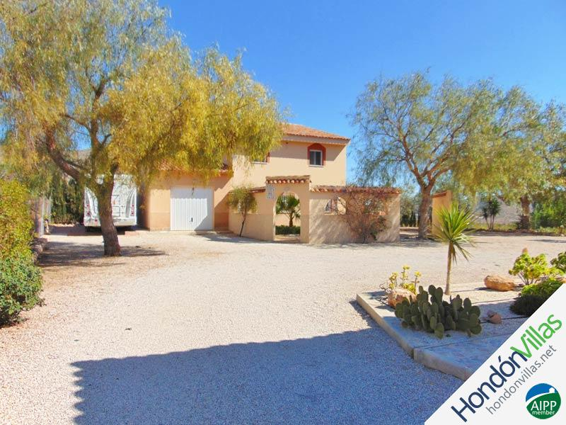 ID# 733M ©2021 Property and Villas for Sale in Hondon