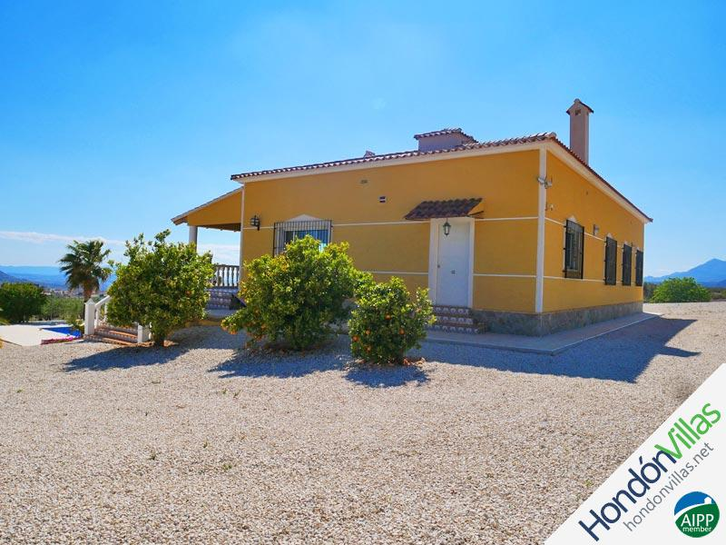 ID# 752W ©2021 Property and Villas for Sale in Hondon
