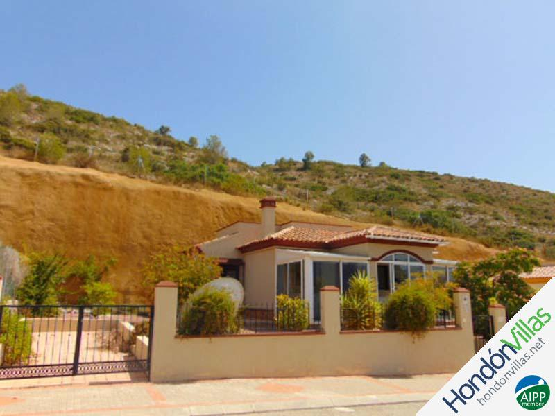 ID# 771J ©2021 Property and Villas for Sale in Hondon