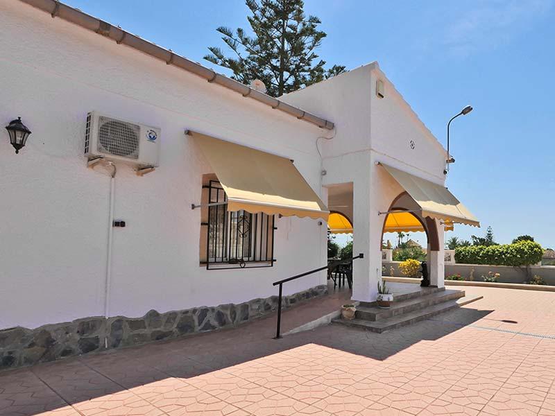 Property number 125W : Copyright Hondon Villas